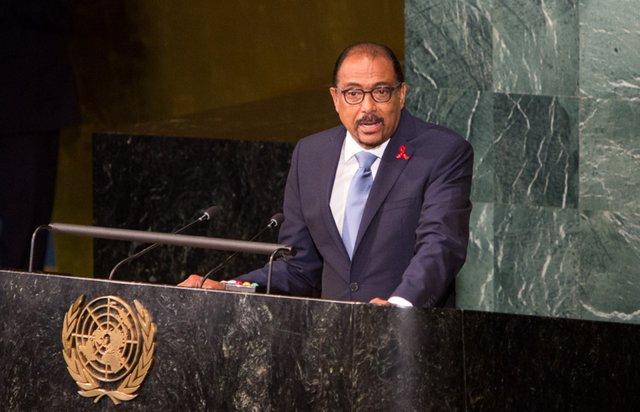 El director ejecutivo de ONUSIDA, Michel Sidibé, comparece ante la ONU en junio