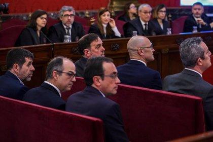 """L'advocat de Sànchez qüestiona el tribunal: """"facin de jutges"""" i """"no de salvadors de la pàtria"""""""