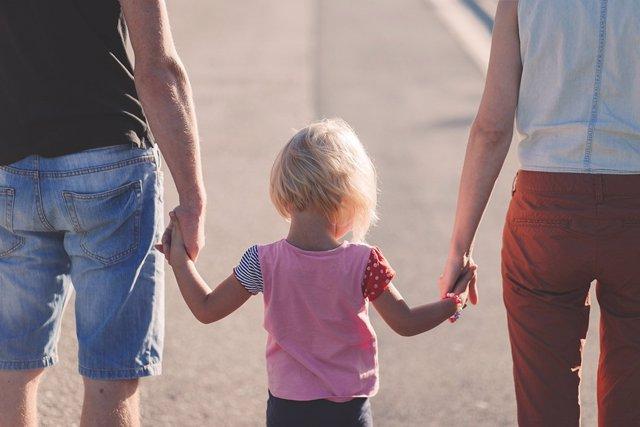 Permisos maternidad y paternidad