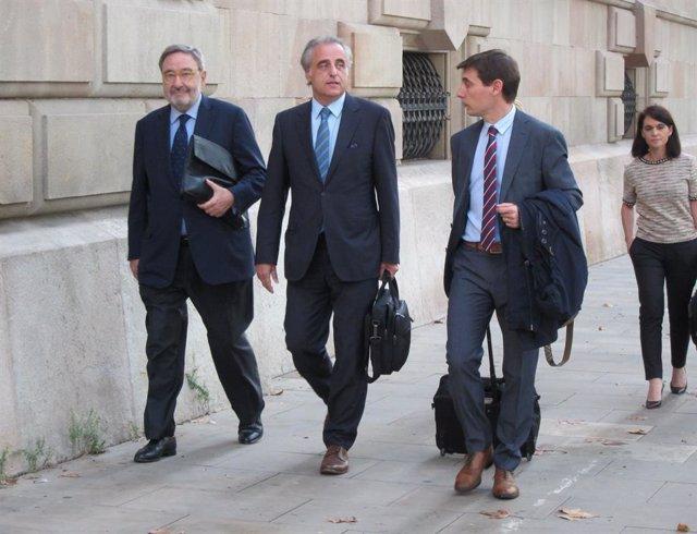L'expresident de Caixa Catalunya Narcís Serra i els seus advocats