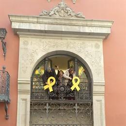 La presidenta de la Diputació de Lleida, Rosa Maria Perelló, al costat de la vic