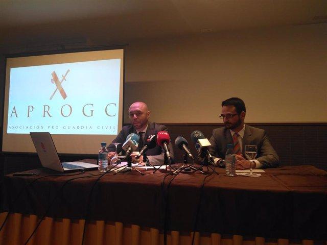 Manuel Jesús Gil y Rubén Bayón, de la asociación APROGC