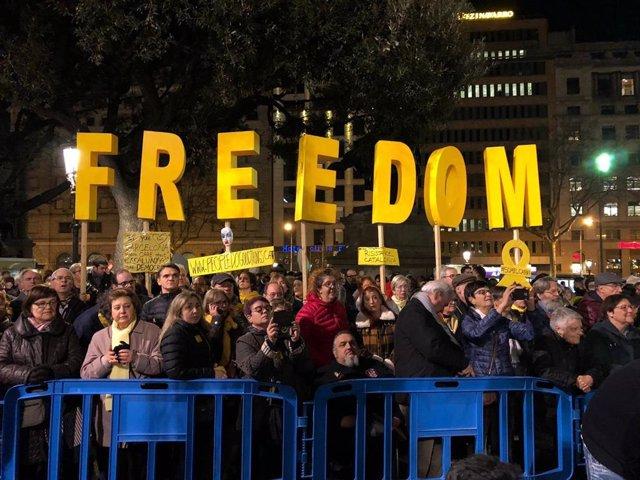 Manifestació a Barcelona contra l'inici del judici als impulsors de el 1-O
