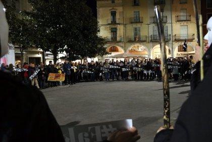 """JUDICI 1-O:Unes 400 persones es concentren a Figueres en contra d'un """"judici polític"""" i reclamen l'alliberament dels presos"""