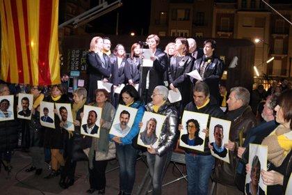 Centenars de lleidatans omplen la plaça Ricard Viñes per rebutjar el judici als líders independentistes