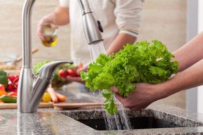 10 tips para lavar la fruta y la verdura antes de comerla: ¡evitarás enfermedades!