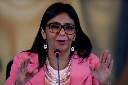 """La vicepresidenta de Venezuela asegura que la ayuda humanitaria de EEUU está """"contaminada"""" y es """"cancerígena"""""""