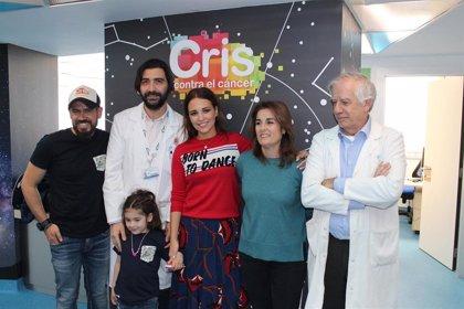 Paula Echevarría visita la Unidad CRIS del Hospital La Paz con motivo del Día Internacional del Cáncer Infantil