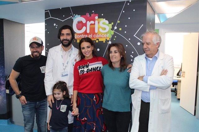 Paula Echevarría visita la Unidad CRIS del Hospital La Paz con motivo del Día In