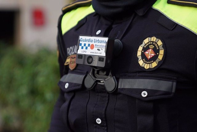 Càmera en l'uniforme de la Guàrdia Urbana de Barcelona
