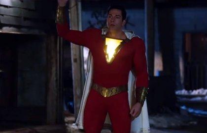 """VÍDEO: Shazam! se prepara para """"hacer un Superman"""" en el nuevo adelanto de la película de DC"""
