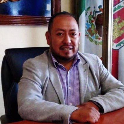 Filtran cómo la familia sorprende a un alcalde mexicano ebrio con una prostituta en un hotel