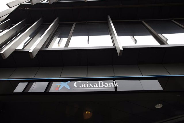 CaixaBank planteja un ERO per a 2.157 treballadors