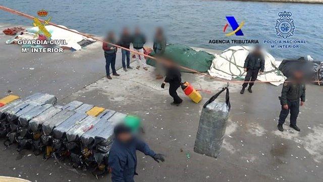 Droga intervenida en la Operación Intraborda en Cádiz