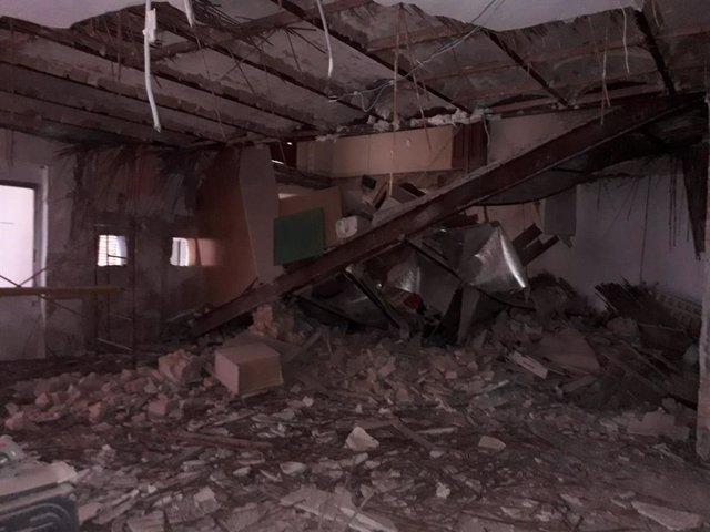 Se derrumba parte de un piso de l acalle Barcas de València