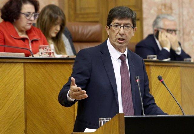 Juan Marín, en la tribuna del Parlamento, en una imagen de archivo