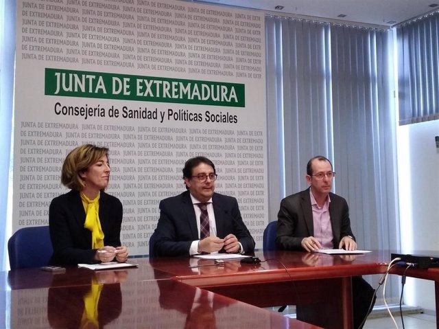(De Izq A Dcha) Consolación Serrano, José María Vergeles Y Miguel Simón