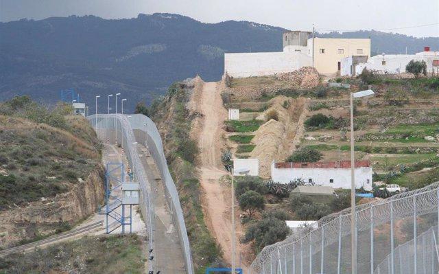 Interior empezará a retirar las concertinas en Ceuta y Melilla pero completarlo dependerá del próximo Gobierno