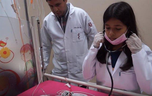 Nña de 11 años accede a la universidad de medicina en ecuador