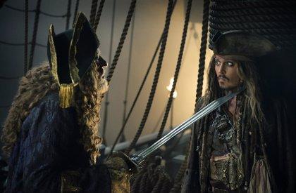 El reboot de Piratas del Caribe se queda sin guionistas