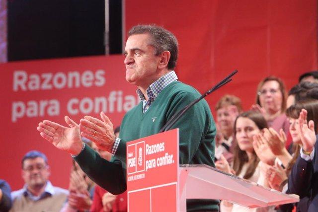 El ministro de Fomento, José Luis Ábalos, interviene en el acto de presentación