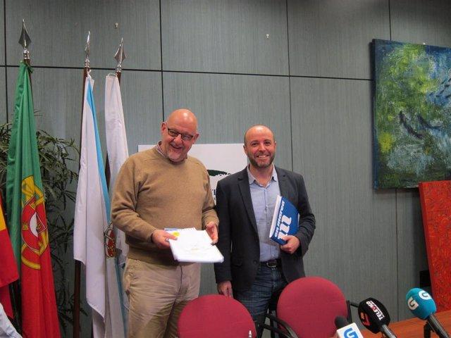 Xoán Vázquez Mao, secretario del Eixo Atlántico, y Luís Villares, portavoz de En