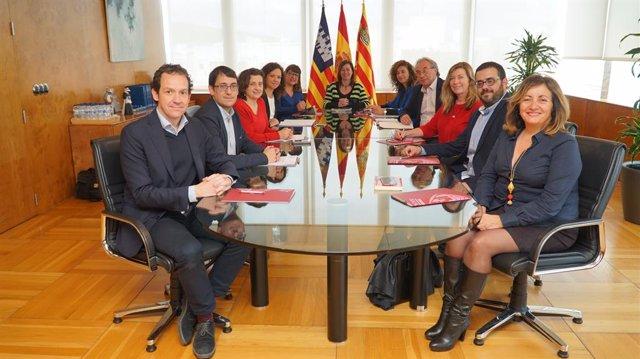 El Consell de Govern reunit en Eivissa