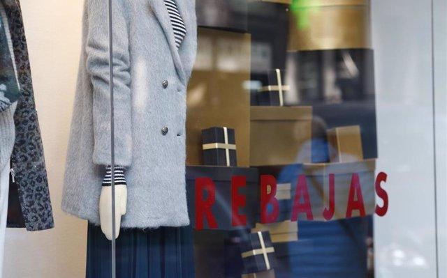 UGT-A apunta el 'papel fundamental' de las 'rebajas en el sector textil' en la caída de precios de enero en Andalucía