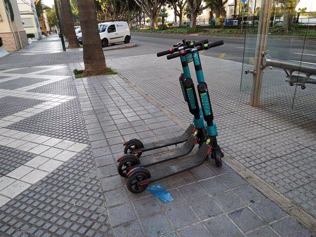 Patinetes málaga eléctricos alquiler ciudad movilidad sostenible