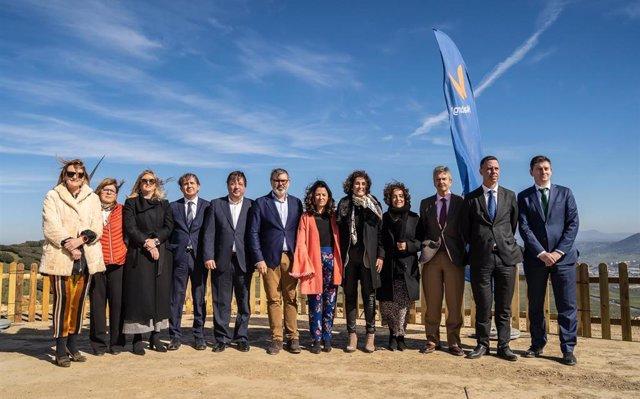 Plasencia inaugura el primer parque eólico de Extremadura, que ahorrará 120.000 toneladas de emisiones