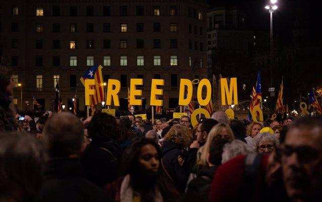 Concentración del martes en contra del juicio del 1-O en Barcelona
