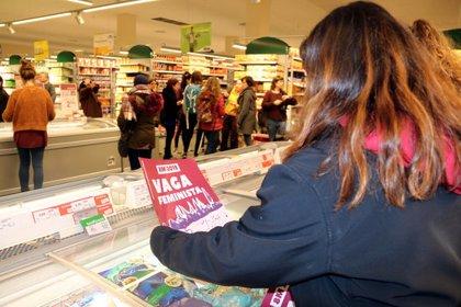 El Comitè de Vaga Feminista de Manresa ocupa un supermercat a Sant Joan de Vilatorrada