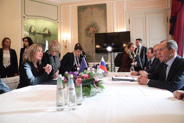 Mogerini y el ministro de Exteriores de Rusia, Sergei Lavrov, en Múnich