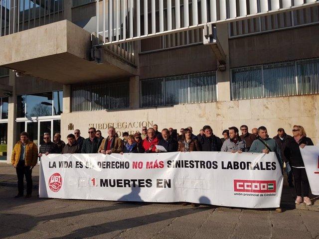 Concentración contra un accidente laboral en Córdoba