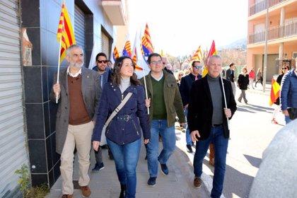 Amer ignora Ciutadans tancant els comerços en una visita que el partit limita a menys de mitja hora al poble de Puigdemont