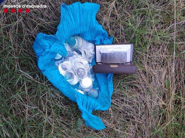 Material recuperado tras detener a cuatro presuntos ladrones