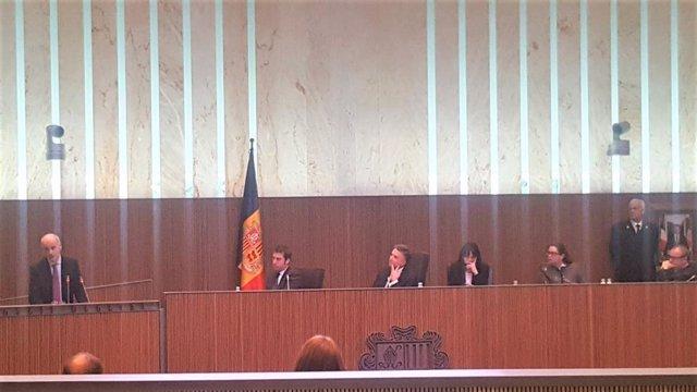 Ultima sesión del Consell General d'Andorra de la legislatura y despedida del je