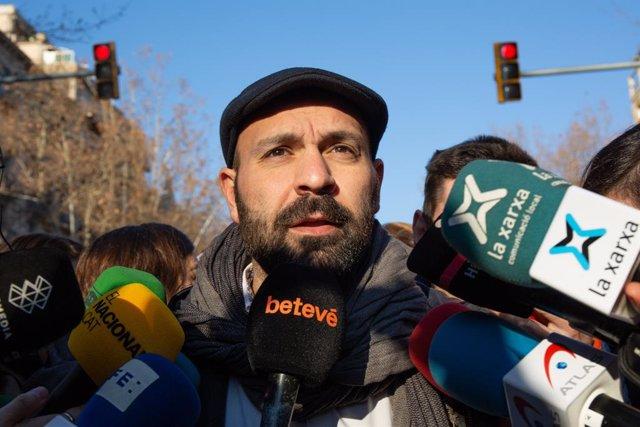 Protesta convocada per partits i entitats sobiranistes contra el judici de el 1-