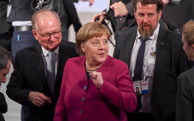 Merkel advierte del riesgo de una retirada precipitada de Afganistán