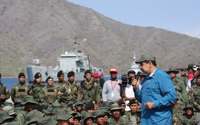 Maduro anuncia la movilización permanente del Ejército