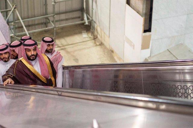 Saudi Crown Prince Mohammad Bin Salman visits the Grand Mosque