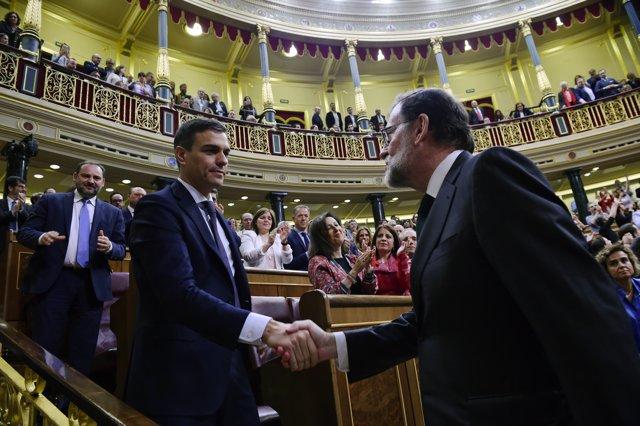 Sánchez y Rajoy en la moción de censura