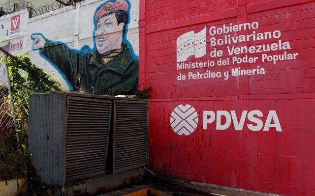 El banco ruso Gazprombank bloquea las cuentas de la petrolera venezolana PDVSA