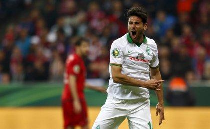 El peruano Pizarro salva al Bremen ante el Hertha Berlín