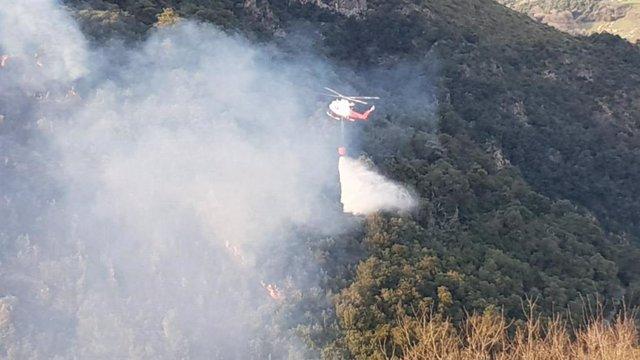 Incendio forestal en Obeso