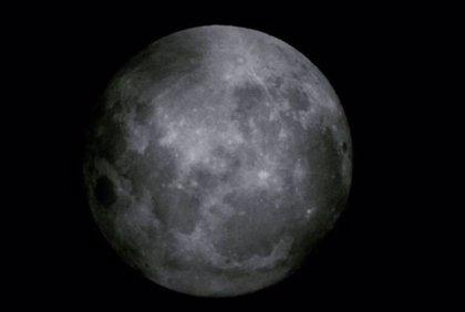 """¿Por qué el 19 de febrero se verá la """"superluna de nieve"""", la más brillante del año?"""