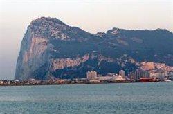 Gibraltar denuncia que un patruller espanyol va intentar fer fora dos bucs civils fondejats davant el penyal (GETTY)