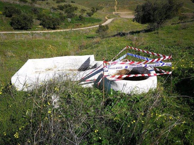 Uno de los pozos identificados por la Policía de Castilleja de Guzmán
