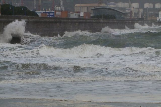 Se activa el aviso amarillo por fuerte oleaje en la costa vasca