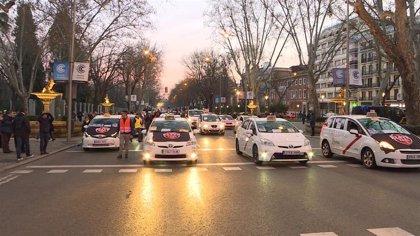 """La Comunidad expone que el reglamento del taxi está en fase final de tramitación y será una """"herramienta imprescindible"""""""